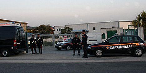 Doi romani arestati la Olbia, Sardinia, pentru ca au amenințat si batut o poloneza si fica sa